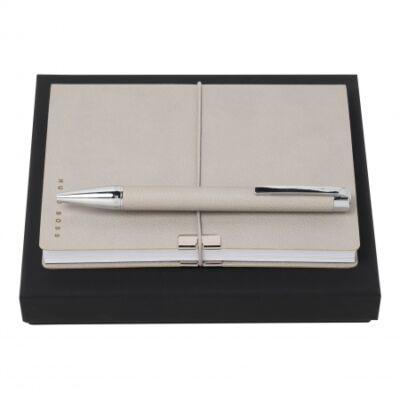 Hugo Boss ajándékszett. Krémszínű jegyzetkönyv és golyóstoll, díszdobozban.