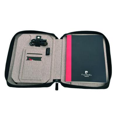 Pierre Cardin Avantgarde ajándékszett (A4 mappa+beépített powerbank 4000 mAh),díszdobozban
